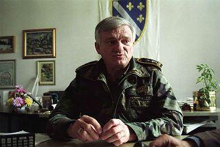 Au fil des jours Jovan Divjak, défenseur et « âme » de Sarajevo, est mort