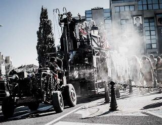 Progagande active Notre Commune, histoire méconnue racontée sur un char